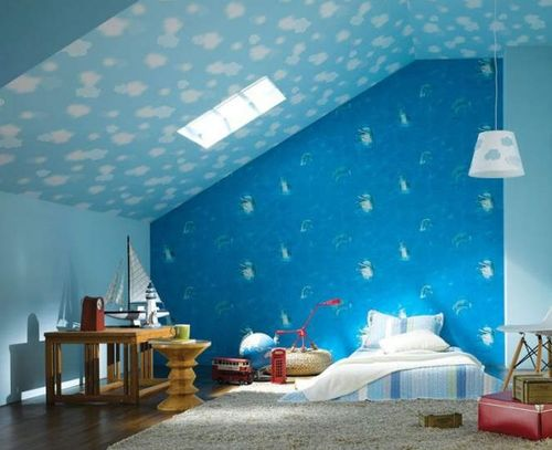 Синие обои в детской комнате